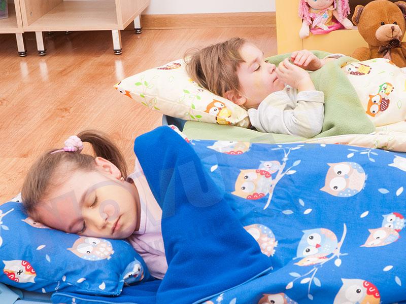 Novum Śpiworek kremowy z poduszką