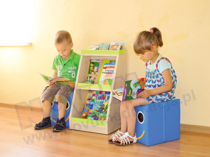 Novum Zestaw biblioteczka z pufami